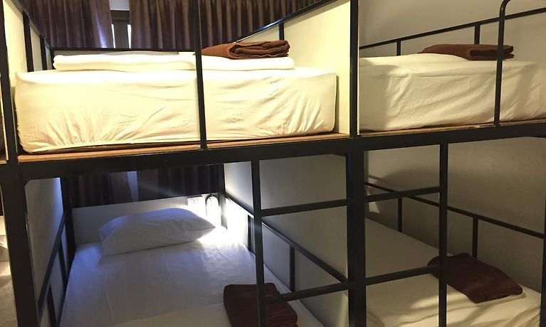 baan thai massage hotel i hamborg med parkering